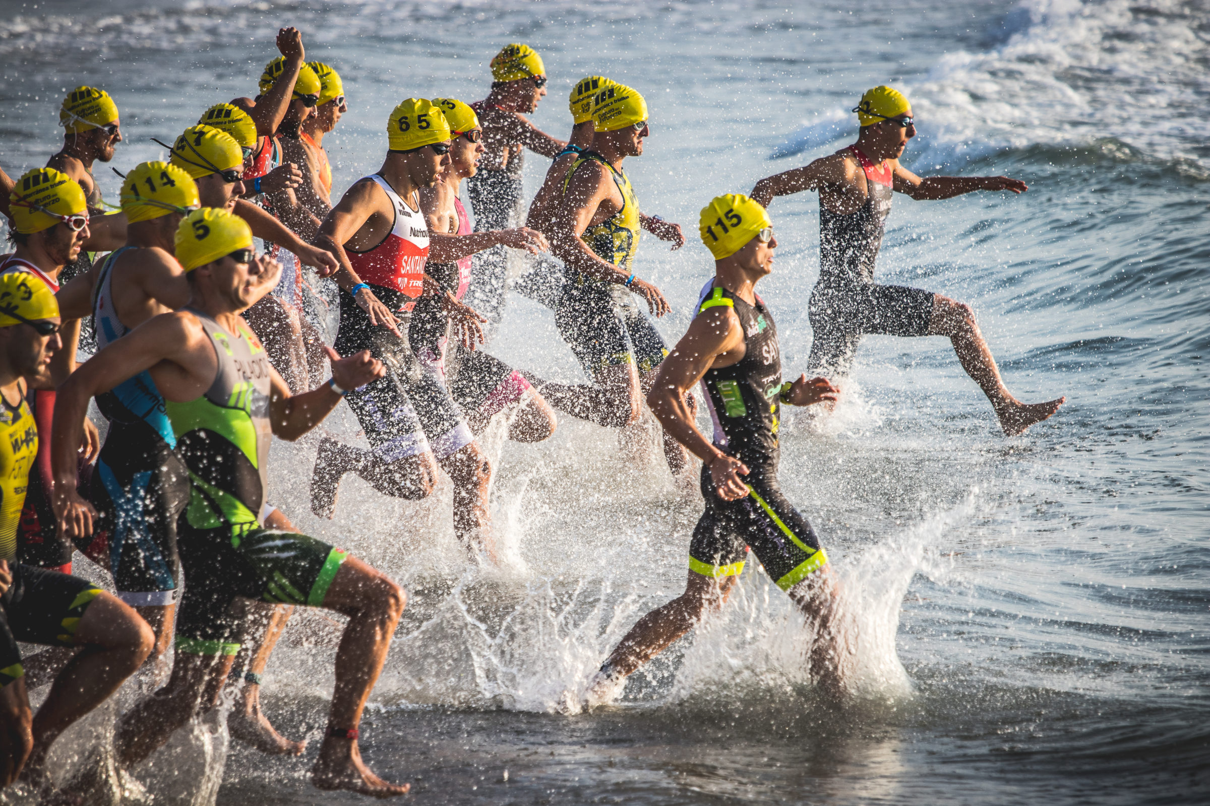 how to organise a triathlon: differences with a popular race